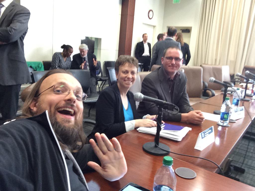 jailbreaking-not-a-crime-dmca-start-saurik-friday-is-the-day-02