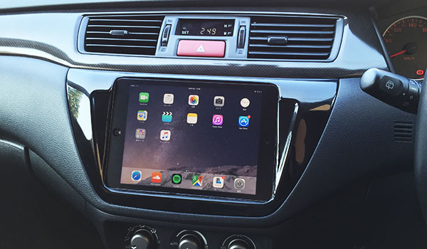 carplay-howto-ipadmini-car-mount-pt1-09